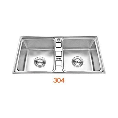 Chậu rửa inox đôi 304 C33 được ưa chuộng bởi thiết kế phổ thông.