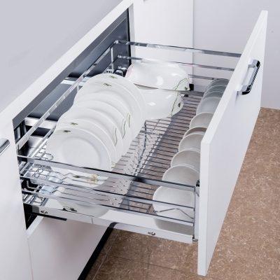 Giá đựng bát đĩa được thiết kế gắn bên trong tủ đóng